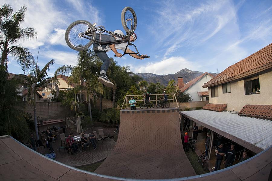 Nathan Sykes // One-Foot Tabletop // 2015 // Photo: Matt Cordova
